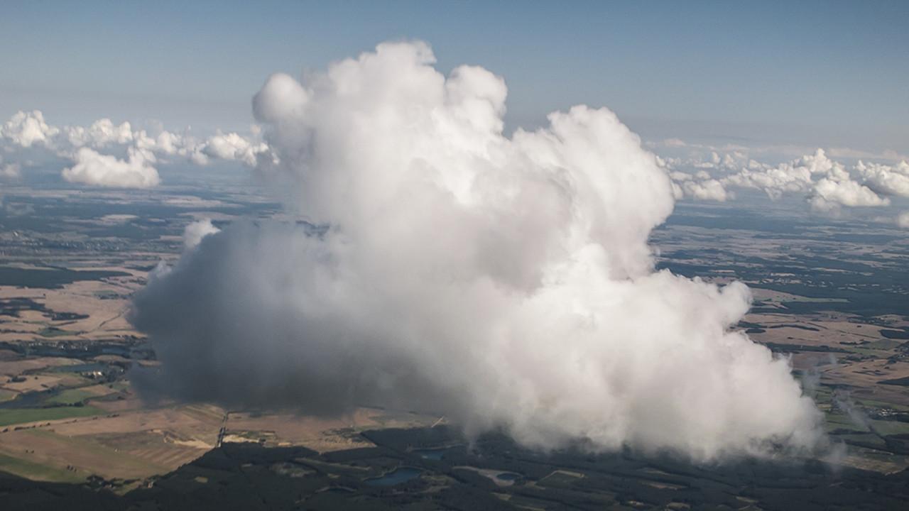 jl-shooting-clouds-large.jpg